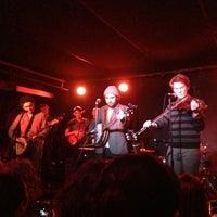 Photo prise au Mercury Lounge par David T. le2/27/2013