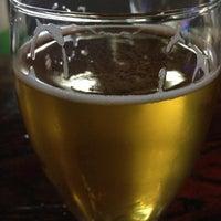 รูปภาพถ่ายที่ Round Guys Brewing Company โดย Nick R. เมื่อ 6/15/2013