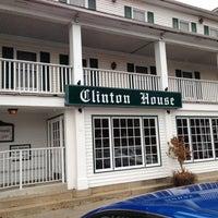 Das Foto wurde bei The Clinton House Restaurant & Bakery von Todd N. am 11/25/2012 aufgenommen