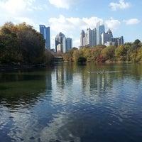 รูปภาพถ่ายที่ Piedmont Park โดย Martha P. เมื่อ 11/21/2012