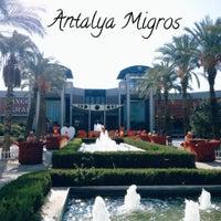 Foto tirada no(a) Antalya Migros AVM por Antalya Migros AVM em 4/20/2015