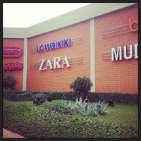 Foto diambil di Antalya Migros AVM oleh Antalya Migros AVM pada 4/20/2015