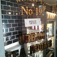 Foto tomada en Urban Tea Rooms por James S. el 5/5/2013