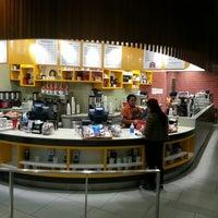 Foto scattata a Klatch Coffee da Andrew G. il 3/11/2013