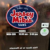 Foto tirada no(a) Jersey Mike's Subs por B B. em 7/4/2018
