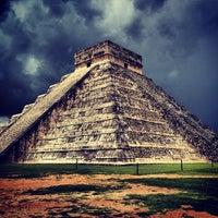 Foto tomada en Zona Arqueológica de Chichén Itzá por Igor P. el 7/11/2013