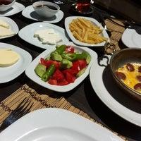 4/22/2015에 Tınaztepe Mağaraları Restaurant & Dinlenme Tesisleri님이 Tınaztepe Mağaraları Restaurant & Dinlenme Tesisleri에서 찍은 사진