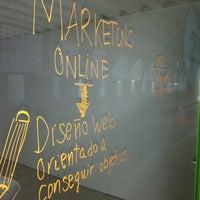 Foto tomada en Webcafeina - Agencia de Marketing Online por David L. el 1/16/2014