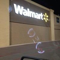 Foto tomada en Walmart Supercenter por Greg W. el 11/24/2013