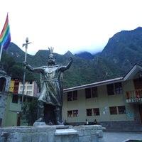 Foto tomada en Plaza de Armas de Aguas Calientes por Agustina T. el 12/25/2012