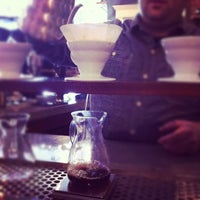 Foto tomada en Mission Coffee Co. por Sarah G. el 10/7/2012