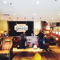 รูปภาพถ่ายที่ Hotel Lincoln โดย Megan B. เมื่อ 5/6/2014