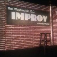 Photo prise au DC Improv Comedy Club par Yolander W. le3/4/2013