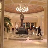 รูปภาพถ่ายที่ Waldorf Astoria Orlando โดย Jackie B. เมื่อ 10/27/2012