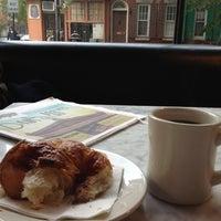 10/19/2012 tarihinde Eat Drink & Be Philly o.ziyaretçi tarafından Last Drop Coffee House'de çekilen fotoğraf