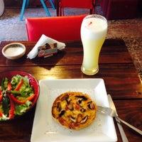 Das Foto wurde bei Cafe Del Negro von lalorodriguezs am 12/15/2014 aufgenommen