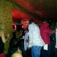 Foto tirada no(a) Vodou Bar por Irijah S. em 10/7/2012