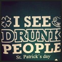 Снимок сделан в Gallaghers Irish Pub пользователем Nicolás S. 3/18/2013