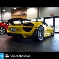 9/25/2014에 Randy M.님이 Porsche North Houston에서 찍은 사진