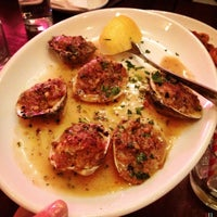Foto scattata a Galli Restaurant da stephiedoo il 4/15/2013