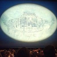 Foto tirada no(a) Disney's MARY POPPINS at the New Amsterdam Theatre por Gary K. em 2/10/2013