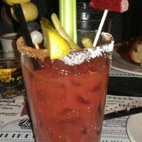 Foto scattata a Ike's Food & Cocktails da Molly M. il 11/24/2012