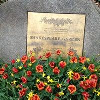 Foto scattata a Shakespeare Garden da Seba S. il 4/11/2013