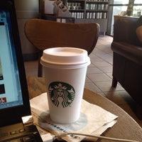 Das Foto wurde bei Starbucks von Keiko K. am 10/29/2012 aufgenommen