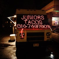 รูปภาพถ่ายที่ Junior's Tacos โดย Wm B. เมื่อ 12/21/2012