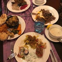 รูปภาพถ่ายที่ Cratos Premium Restaurant โดย Jindar H. เมื่อ 6/9/2018