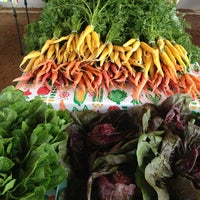 Foto tirada no(a) Mueller Farmers Market por Marilyn M. em 12/23/2012