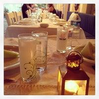 7/23/2013 tarihinde Arda Anarziyaretçi tarafından Karina Balık Restaurant'de çekilen fotoğraf