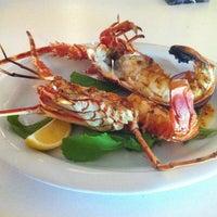 5/1/2013 tarihinde Arda Anarziyaretçi tarafından Karina Balık Restaurant'de çekilen fotoğraf