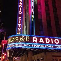 Das Foto wurde bei Radio City Music Hall von Dan G. am 4/8/2013 aufgenommen
