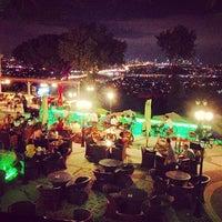 Foto scattata a Desde Cafe & Restaurant da Kadir Murat T. il 9/29/2012