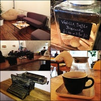 Foto scattata a Yorks Bakery Cafe da Damian B. il 10/13/2012