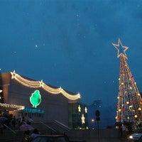 Foto tirada no(a) Independência Shopping por Fabiano R. em 12/13/2012