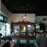 6/8/2013 tarihinde Ivy Agnes N.ziyaretçi tarafından Last Drop Coffee House'de çekilen fotoğraf
