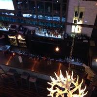 11/1/2013 tarihinde Davis K.ziyaretçi tarafından The Lodge Bar + Grill'de çekilen fotoğraf