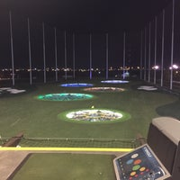 Foto scattata a Topgolf da James W. il 9/14/2015