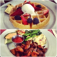 Foto tirada no(a) Silk City Diner Bar & Lounge por Lucy em 6/9/2013