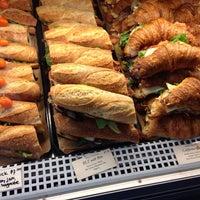 Das Foto wurde bei Bakery Nouveau von Erica R. am 12/27/2013 aufgenommen