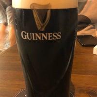 Photo prise au Hops Irish Pub par Lemi E. le6/8/2019