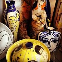 1/23/2013 tarihinde Ric Johnnie M.ziyaretçi tarafından Cris Conde Atelier'de çekilen fotoğraf