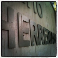 Foto tomada en Patio Herreriano por _FSG _. el 11/2/2012
