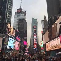 Foto scattata a Times Square da Christopher G. il 6/5/2015