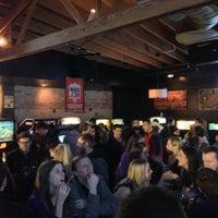 Das Foto wurde bei Headquarters Beercade von Alberto am 3/10/2013 aufgenommen