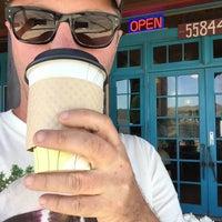 Foto tirada no(a) Ma Rouge Coffee House por Owen H. em 4/18/2015