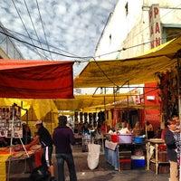 6845f8ced ... Foto tomada en Mercado Lagunilla Ropa y Telas por Jamison N. el 1 20