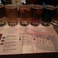 Foto tomada en Gordon Biersch Brewery Restaurant por Ryan H. el 2/20/2013